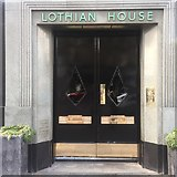 NT2473 : Door, Lothian House by Richard Webb