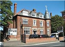 TG5307 : 22 Euston Road - Novaturient School by Evelyn Simak