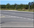 ST0267 : Direction sign alongside the B4265 near West Aberthaw by Jaggery