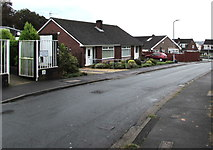 ST3091 : Bungalows at the SE end of Harding Avenue, Malpas, Newport by Jaggery