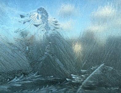 SH8076 : A frozen windscreen job by Richard Hoare