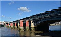 TQ3180 : Blackfriars Railway Bridge by habiloid