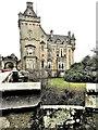 NS4276 : Overtoun House by Raibeart MacAoidh