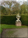 SK6464 : Rufford Abbey Country Park – urn 2 by Alan Murray-Rust