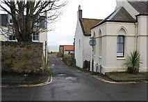 NT4899 : Castwell Wynd, Earlsferry by Bill Kasman