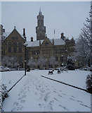 SE1632 : Norfolk Gardens and City Hall, Bradford on a snowy morning by habiloid