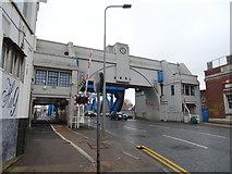 TA1029 : North Bridge, Hull by JThomas