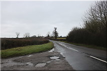 SP7038 : Lillingstone Road, Akeley by David Howard
