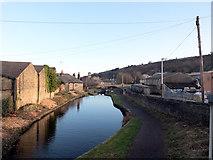 SE1115 : Huddersfield Narrow Canal, Milnsbridge by habiloid