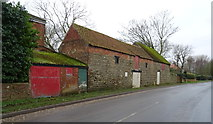 TA3719 : Barn on Main Road, Skeffling by JThomas