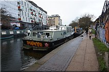 TQ3283 : Regent's Canal at Bridport Place by Ian S