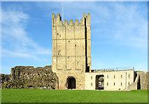 NZ1700 : The keep, Richmond Castle by habiloid