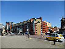NS5964 : Holiday Inn Express, Glasgow by Stephen Craven