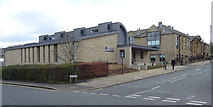 SE1437 : Shipley College, Exhibition Road, Saltaire by habiloid