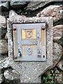 SH6268 : Hydrant marker on Llanllechid Road, Rachub by Meirion
