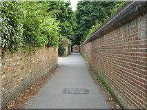 TQ0487 : The Pyghtle, Denham by Robin Webster