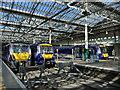NT2573 : Edinburgh Waverley, west terminal platforms by Stephen Craven