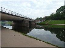 SX9192 : Railway bridge over Exeter flood relief channel, upstream of Exe Bridges (2) by David Smith