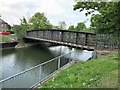 TF2421 : Disused railway bridge over The River Welland in Spalding by Richard Humphrey