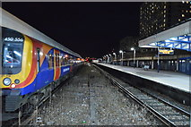 SU6400 : Platforms 2 & 3, Portsmouth & Southsea Station by N Chadwick