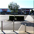 ST3486 : Iceland and Costa in Newport Retail Park by Jaggery