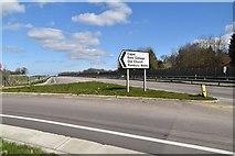 TQ6142 : Turning to Pembury Walks, A21 by N Chadwick