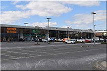 TQ6042 : Fountains Lodge Retail Park by N Chadwick