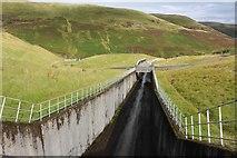 NN9104 : Spillway, Upper Glendevon Reservoir by Graeme Yuill