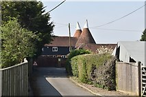 TQ6143 : Castle Hill Farm Oast by N Chadwick