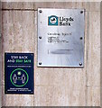 ST2995 : Stay Back and Stay Safe, Lloyds Bank, Cwmbran by Jaggery