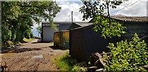 SO9875 : Beacon Farm by Paul Collins