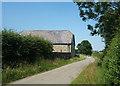 SU2286 : Lane past the Barn by Des Blenkinsopp