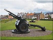 NT6779 : The 25 Pounder Gun at the Glebe Dunbar by Jennifer Petrie