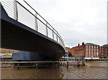 TA1028 : Scale Lane Bridge, Kingston upon Hull by Bernard Sharp