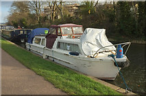 ST7565 : Boats moored on Kennet and Avon Canal by Derek Harper