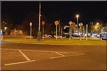SU6400 : Roundabout by N Chadwick