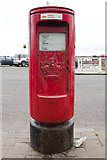 NO5603 : Scottish Crown Postbox, Shore Street, Anstruther by Mark Anderson