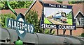 SU5832 : Alresford - Strong Country by Colin Smith