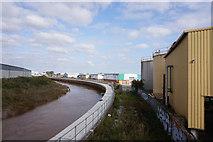 TA1031 : The River Hull towards Stoneferry bridges by Ian S