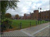 J3372 : Queen's University, Belfast by Gerald England