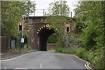 TQ5941 : Narrow, low bridge, North Farm Rd by N Chadwick