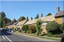 SP4635 : Cross Hill Road, Adderbury by Des Blenkinsopp