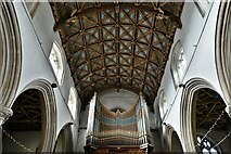 ST0207 : Cullompton, St. Andrew's Church: The magnificent nave wagon shaped roof and organ by Michael Garlick