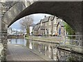 SO0428 : Canal-side cottages by Alan Hughes