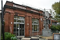 TQ2883 : Blackburn Pavilion, London Zoo by N Chadwick