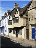 SP0202 : Cirencester houses [25] by Michael Dibb