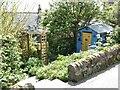 NO7967 : Garden on Castle  Street, Johnshaven by Oliver Dixon