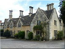 SP0102 : Cirencester houses [97] by Michael Dibb