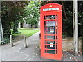 TQ0694 : K6 Telephone Box in Church Street, Rickmansworth by David Hillas
