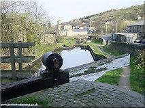 SE1115 : Huddersfield Canal at Milnsbridge by Martin Clark